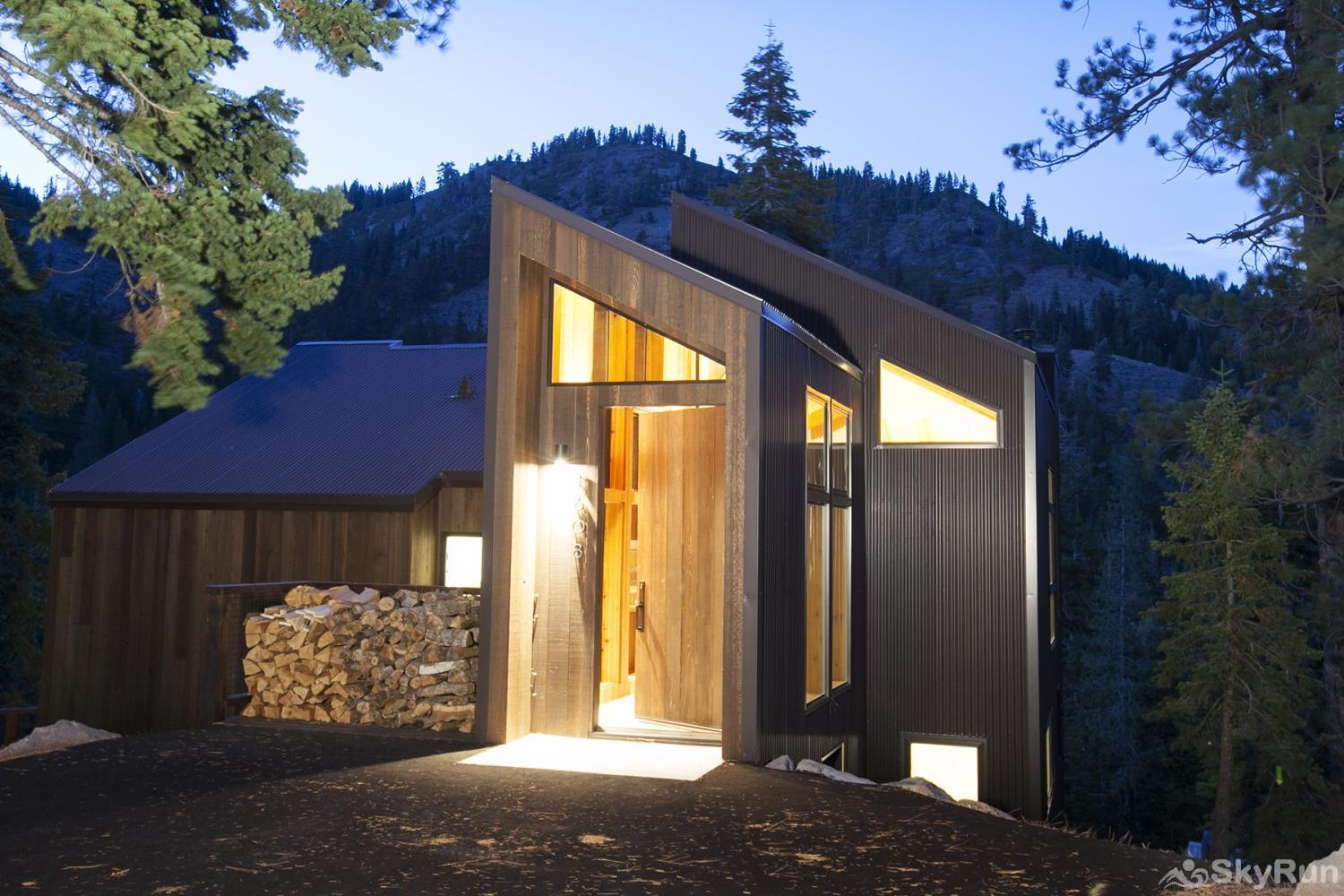Trapper Mc Nutt  Modern Mountain Home Exterior Front View